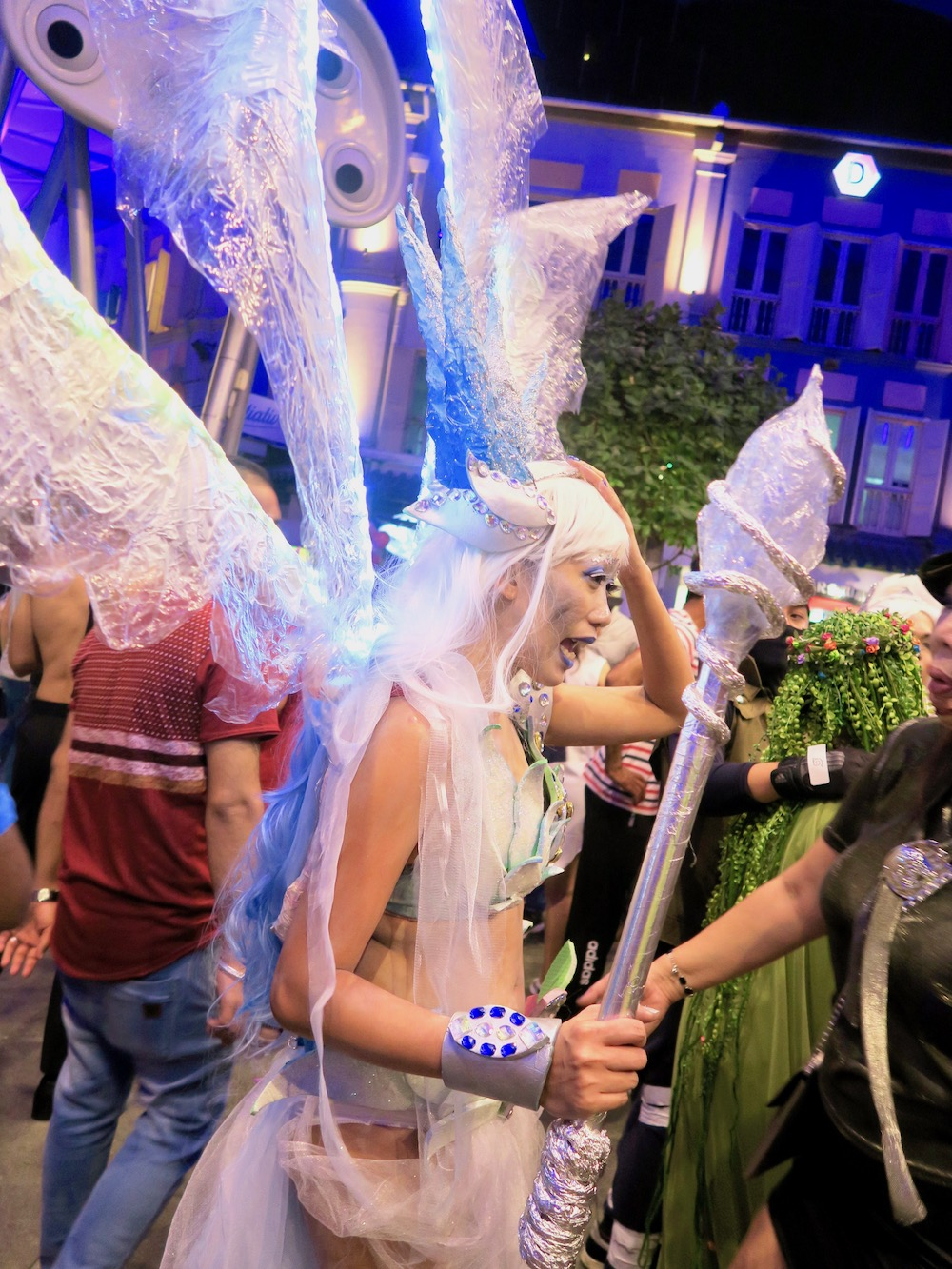 Fairy elf Halloween costume at Clarke Quay |curlytraveller.com
