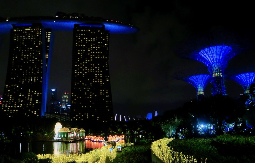 Unique architecture, flora and lanterns in Singapore's Gardens by the Bay |curlytraveller.com