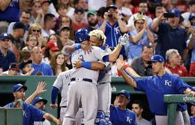 Mike Moustakas clubs his 30th homer as Royals top Red Sox for ninth straight win