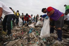 TONS OF TRASH were gathered at the shoreline of Navotas during a clean-up drive initiated by Pasay City Host Lions Club led by president Lydia Bueno and some members of Remate Tabloid Motorcycle Riders Club. The clean-up intends to free up the shoreline of assorted litter and save the environment. (Jojo Rabulan/BCuaresma/IAmigo/CNS)