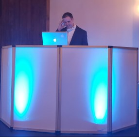 Curry Event Services - DJ Facade White with Uplights
