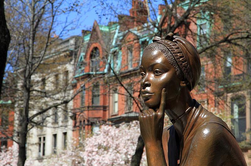 Estatua Phillips Wheatley
