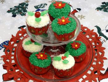 Cupcakes de Coco con Decoración Navideña por Rosa Quintero