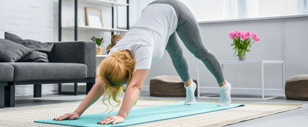 curso gratis de yoga en casa dirigido a principiantes