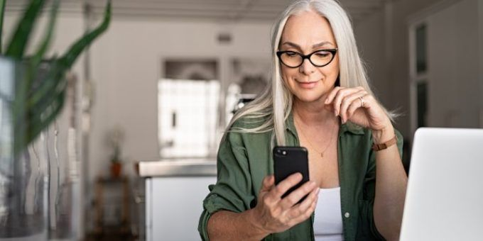 Sacar la vida laboral por SMS