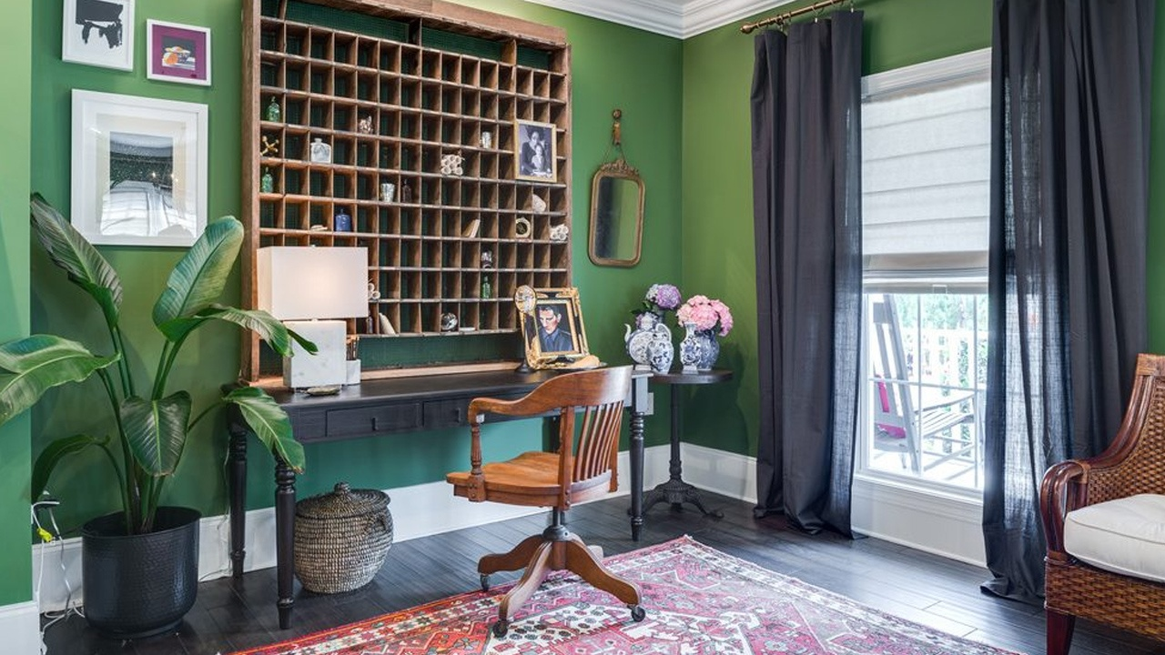 what curtains go with dark green walls