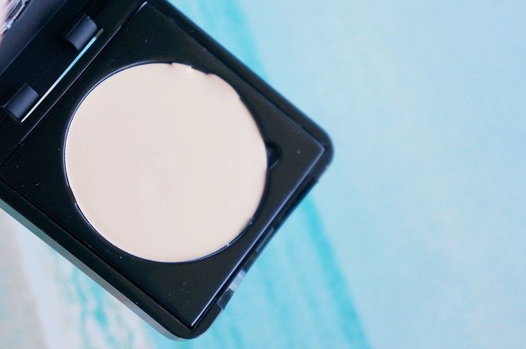 make up studio banana review 3 - How to | Banana concealer & powder