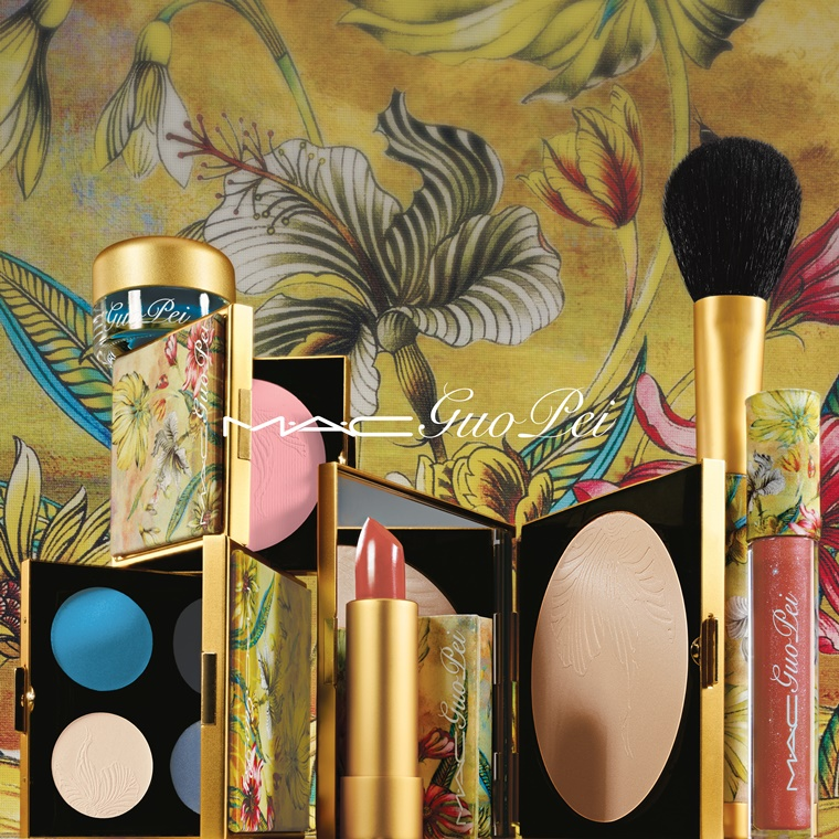 mac guo pei ethereal orchid red water lily 7 - MAC Guo Pei collectie & review