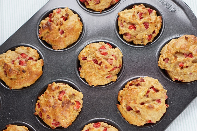 aardbei banaan muffins 4 - Aardbei Banaan Muffins