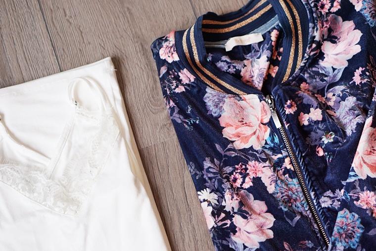 velvet bomberjacket 5 - Plussize Outfit | The Velvet Bomberjacket (inclusief make-up look)