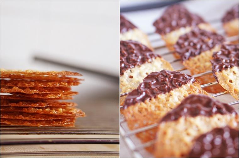 chocolade kletskoppen recept 1 - The Cookie Bakery | Chocolate dipped kletskoppen