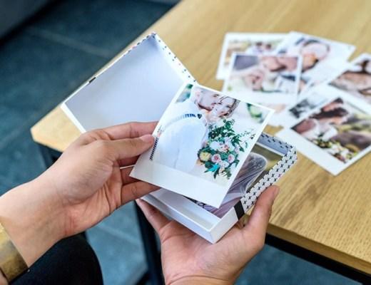 retrofoto's in een doosje