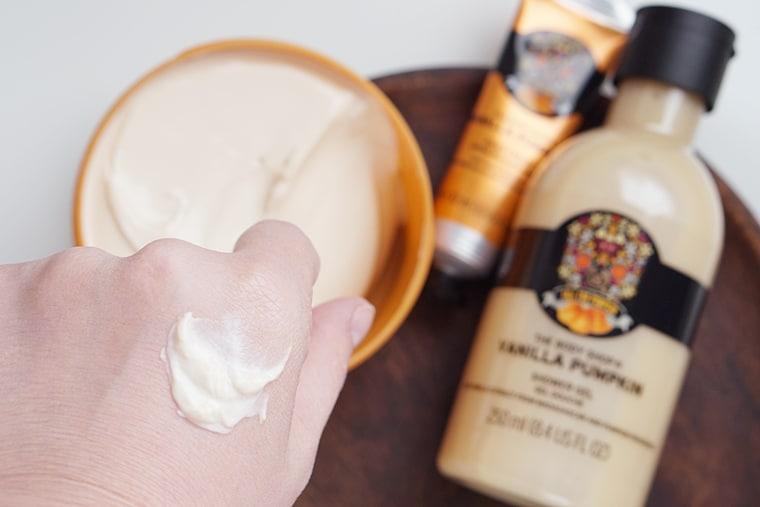 the body shop vanilla pumpkin review 4 - The Body Shop Vanilla Pumpkin (Halloween collectie)