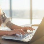 Carrière | 4 tips om geld te verdienen met thuiswerk
