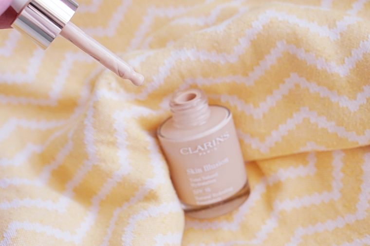 clarins skin illusion foundation review 3 - Foundation Friday   Clarins Skin Illusion foundation