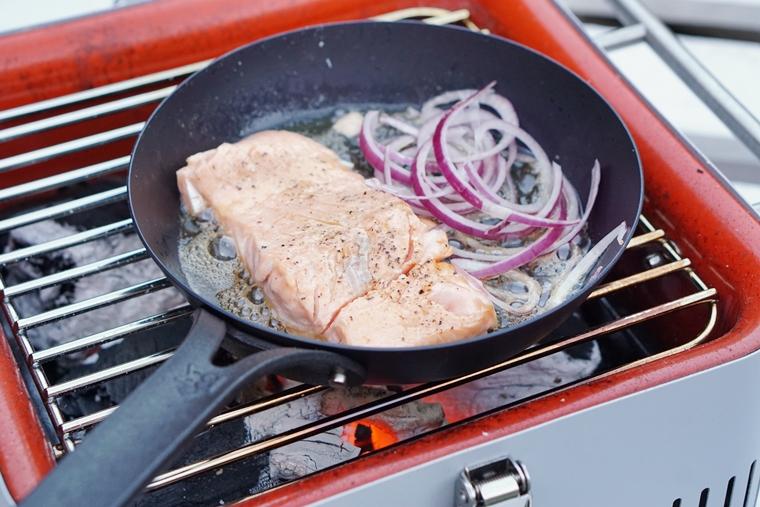 pulled salom bbq recept 2 - Recept | Broodje pulled salmon van de BBQ