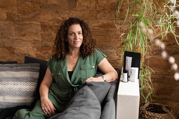 debbie van weelden lois lee interview 1 - Girlboss interview met Debbie van natural skincare brand Loïs Lee