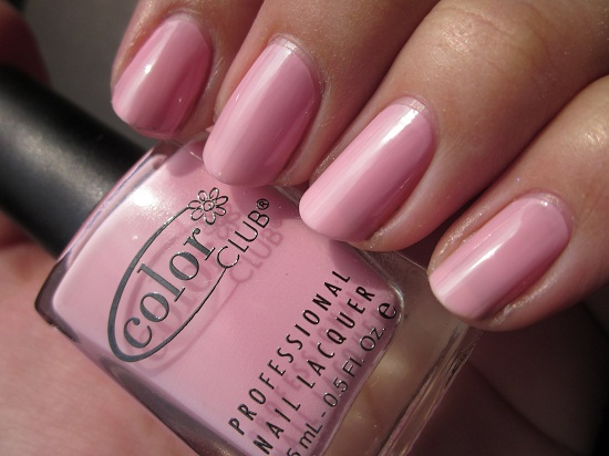 NOTD CC I believe in amour 1 - Color Club - I believe in amour