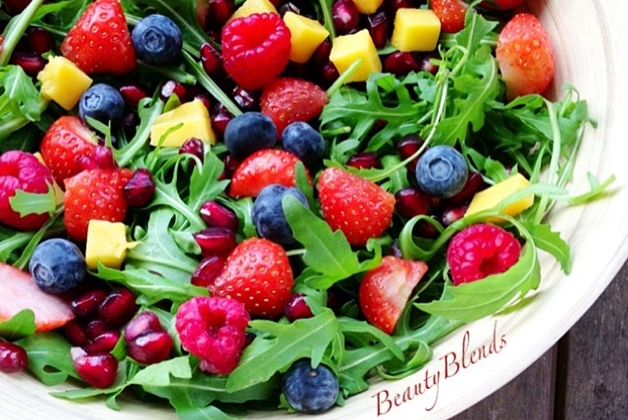 Salade lunch - Recept   Zomerse en kleurrijke salade