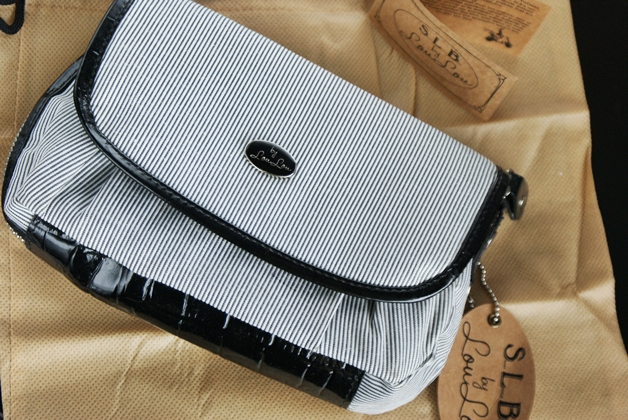 bylouloumakeupbag11 - By LouLou | Femme Fatale make-up bag