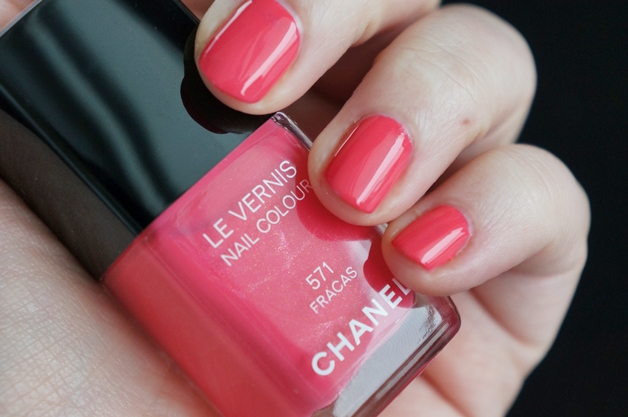 chanel-la-favorite-fracas-mac-once-upon-a-time-6