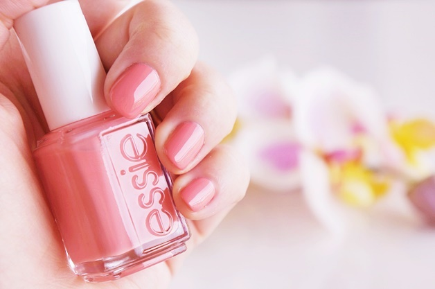 essie resort 2015 review swatches 6 - Favoriete beautyproducten april 2015