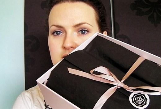 glossyboxjunistill - Filmpje | Unboxing Glossybox juni & Summer Box (incl. kortingscode)