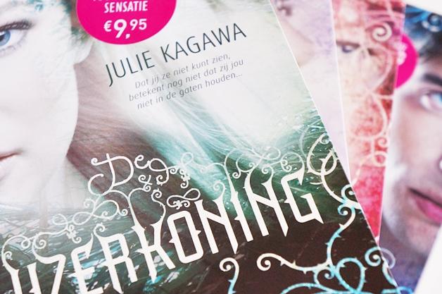julie-kagawa-the-iron-fey-1