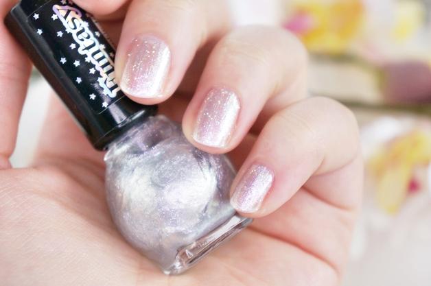 miss sporty funtasy holographic nail polish 3 - Miss Sporty funtasy holographic nail polish