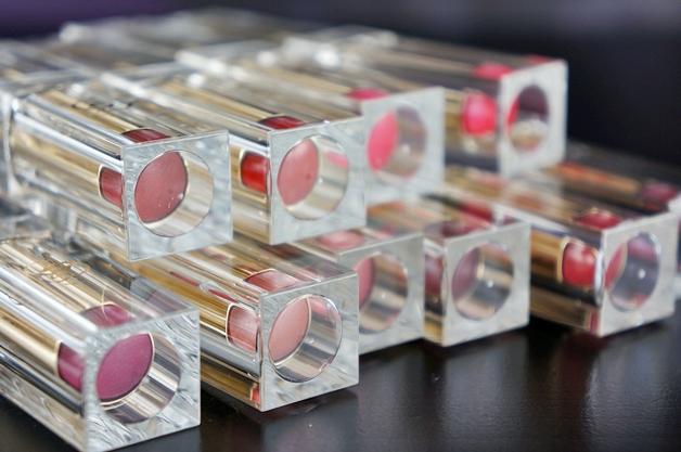 oriflame giordani gold voluptuous lipstick 1 - Duo review | Oriflame Giordani Gold voluptuous lipsticks