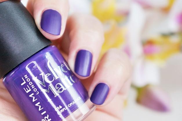 rimmel velvet matte nagellak 5 - Love it! | Rimmel velvet matte nagellak