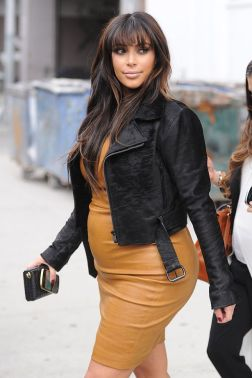 kim-kardashian-maternity-chic-fashion-style-genie-pregnant-celebrity-kanye-west-baby-20