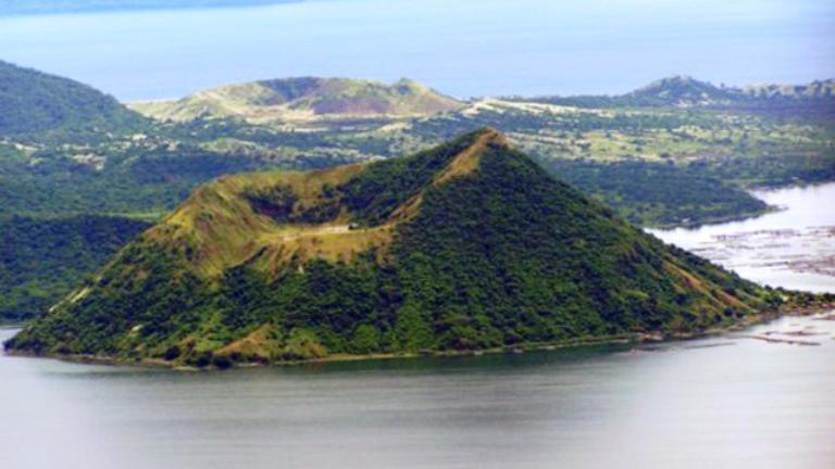 taal volacano, taal lake, tagaytay