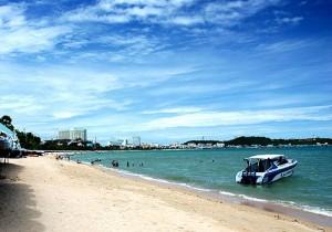 Wong Phra Chan Beach in Pattaya