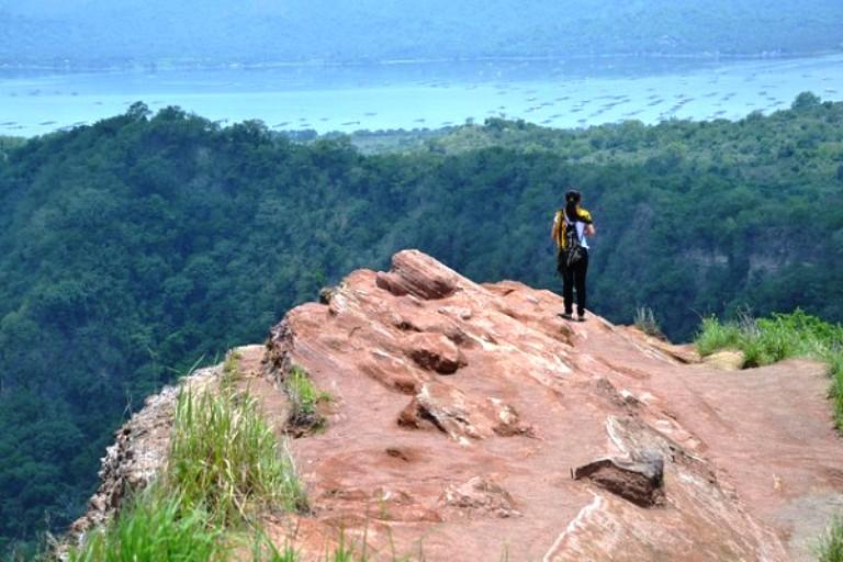 trekking-taal-volcano