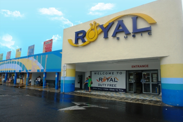 shopping mall, subic, philippines