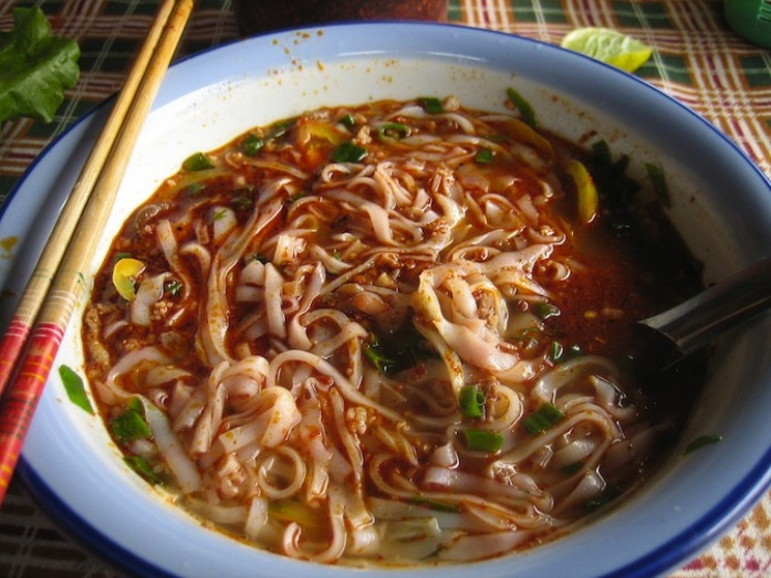 local cuisine in bangkok, khao soy