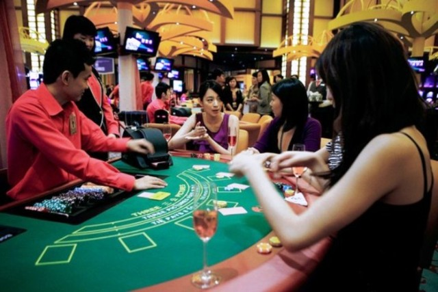 gambling, playing, singapore