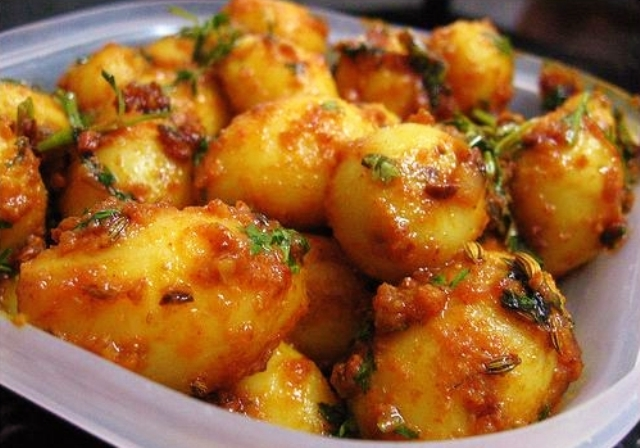 local delicacy , srinagar, india, dum aloo