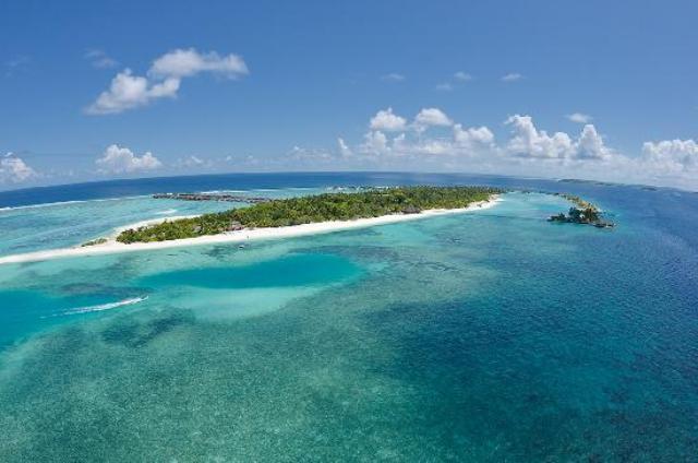 tourist island, paradise island, maldives