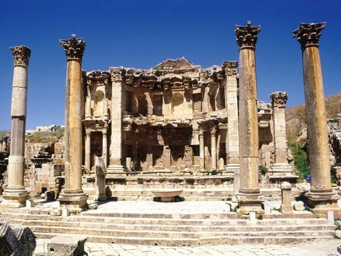 nymphaeum, amman, jordan, roman ruins,