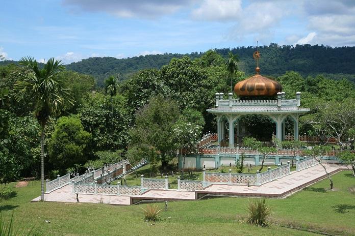 mausoleum of sultan bolkiah, brunei