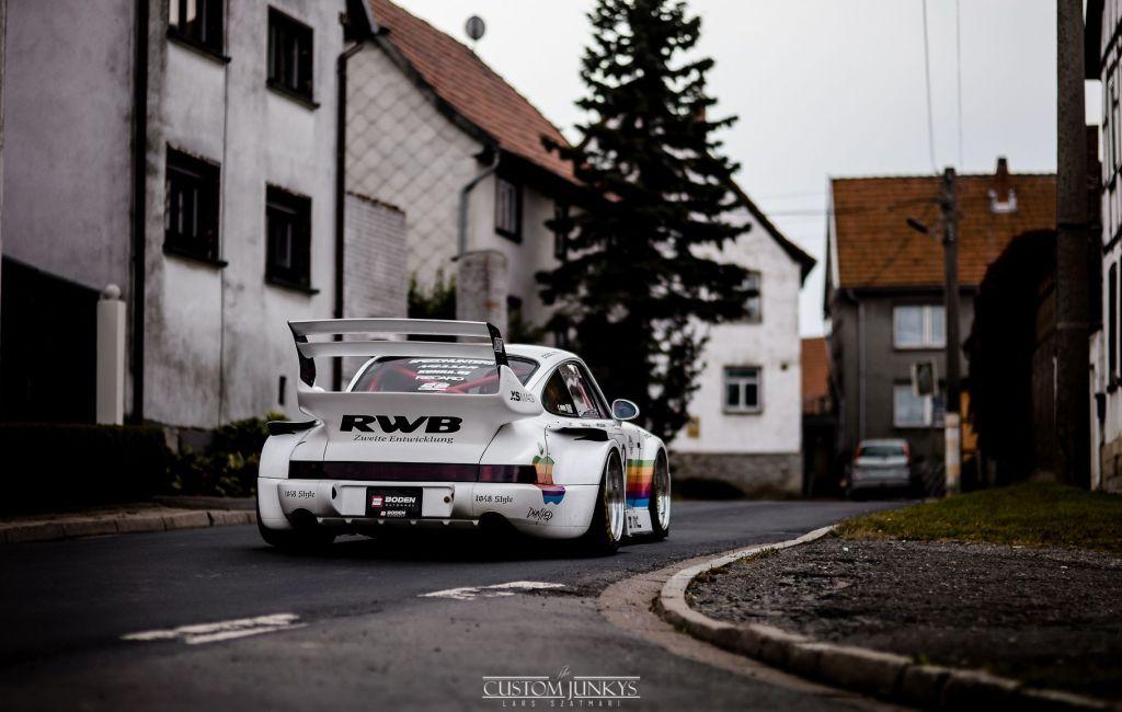 RWB Austria Khloe