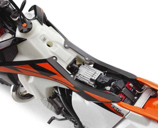 2018 KTM 250 300 EXC TPI 27 copy