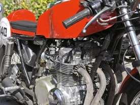 Betagte Honda-Vierzylinder gehören hier zum moderneren Material