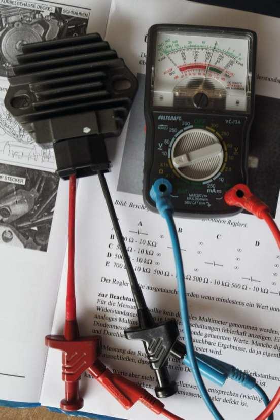 Zur Überprüfung des Gleichrichters eignet sich am besten ein analoges Messgerät