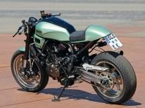 Auf dem Wheels-and-Waves-Festival in Biarritz präsentierte Yamaha-Klein aus Dillingen seine Bantam-Racer getaufte XSR 700 im modernen Cafe-Racer-Stil