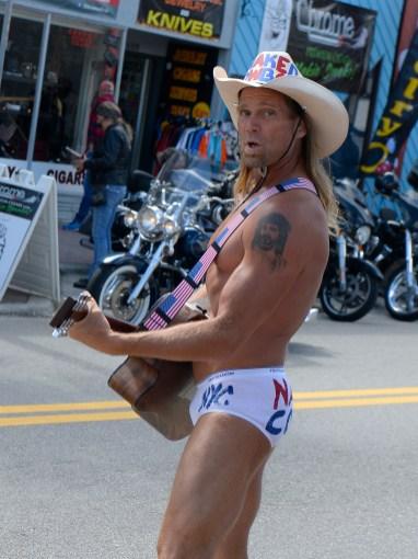 »The Naked Cowboy«, Straßenmusiker und Touristenattraktion