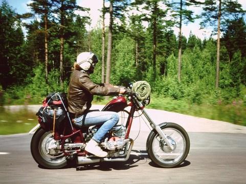 … Doch eines blieb immer. Das Motorrad wurde stetig gefahren, geburnt, geprügelt
