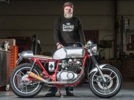 Viele kennen Marcel als Blechkünstler, doch er baut auch komplette Motorräder. Sein Ziel ist es, hundertprozent perfekte Komponenten zu bauen